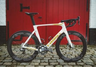 Boonen presenta su nueva Specialized blanca y oro