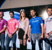 El Giro presenta sus nuevas 'maglias' Castelli (Vídeo)
