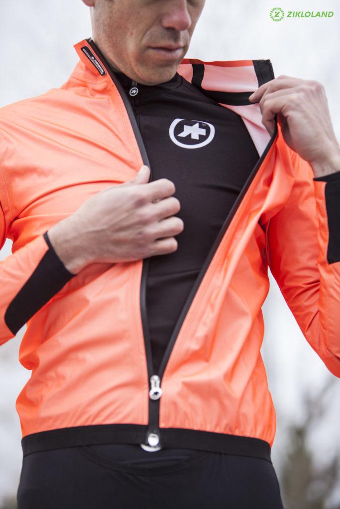 Assos Equipe RS rain jacket_09