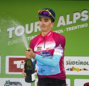 peio-bilbao-astana-tour-alps-2018-etapa1-podio