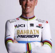 rohan-dennis-bahrain-merida-maillot-arcoiris-2019