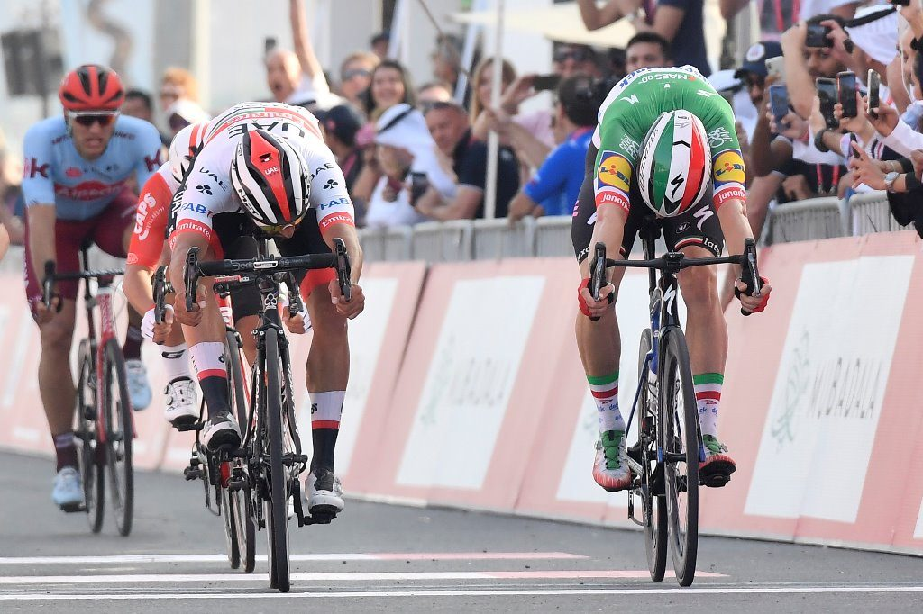gaviria-uae-viviani-deceuninck-quickstep-uae-tour-2019-etapa2