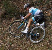 alexey-lutsenko-tirreno-adriatico-2019-etapa4-caida