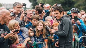 team-sky-geraint-thomas-fans-2019