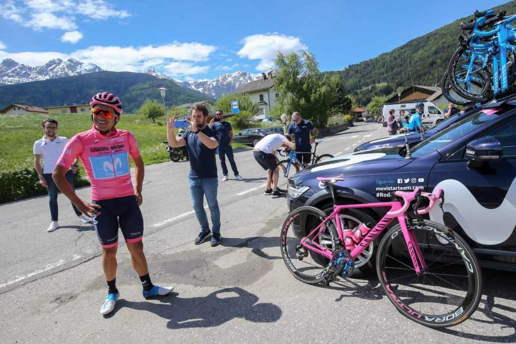 richard-carapaz-movistar-team-giro-italia-2019-canyon-2