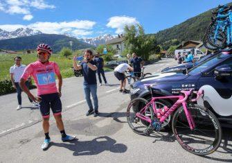 richard-carapaz-movistar-team-giro-italia-2019-canyon-2