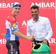 jakobsen-etapa4-podio-lavuelta