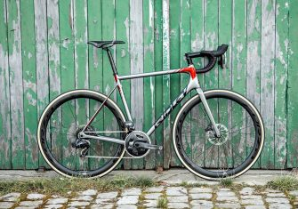 Helium SLX Disc_Bike_3 - Copyright Ridley