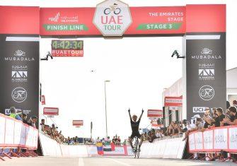 adam-yates-mitchelton-scott-uae-tour-2020-etapa3