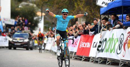 jakob-fuglsang-astana-mikel-landa-vuelta-andalucia-2020-etapa1