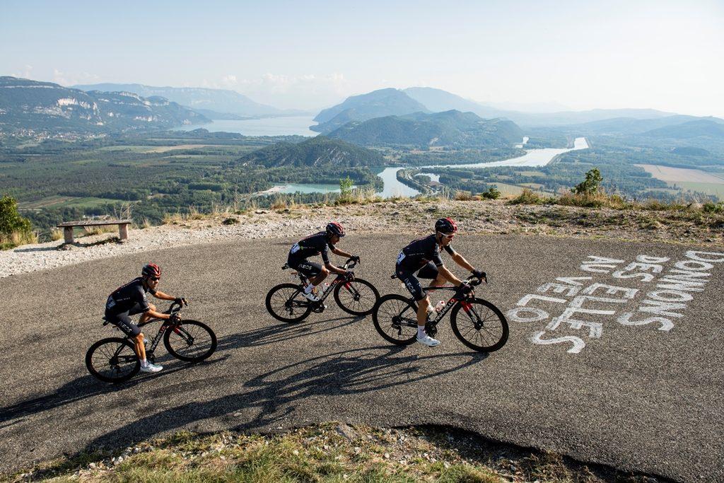 egan-bernal-ineos-grenadiers-tour-francia-2020-etapa15-castroviejo-kwiatkowski