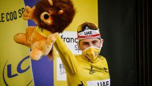tadej-pogacar-uae-tour-francia-2020-etapa20-podio-amarillo