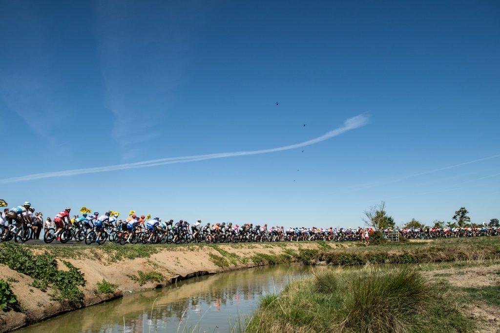 tour-francia-2020-etapa10-peloton