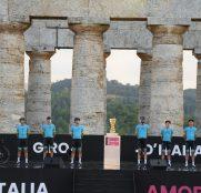 astana-pro-team-giro-italia-2020-presentacion