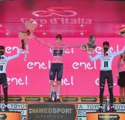 tao-geoghegan-hart-ineos-giro-italia-2020-etapa21-podio