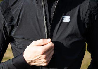 Sportful Aqua Pro Jacket: Alta gama para que la lluvia no nos detenga (Test)