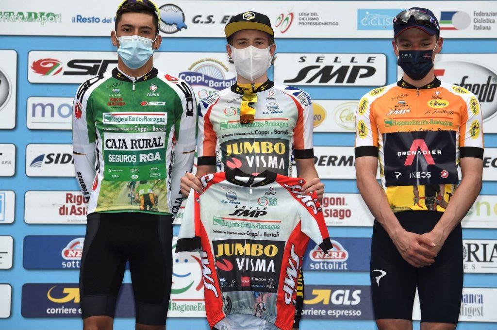 jonas-vingegaard-alejandro-osorio-caja-rural-rga-coppi-bartali-2021-podio-2