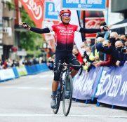 Vuelta Asturias: Nairo Quintana vence en Pola de Lena (Vídeo)