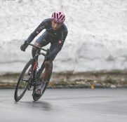 egan-bernal-ineos-giro-italia-2021-etapa16-passo-giau