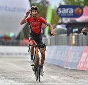 Giro Italia: Gino Mäder, por Landa en San Giacomo (Vídeo)