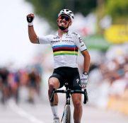 julian-alaphilippe-deceuninck-quickstep-tour-francia-2021-etapa1-meta