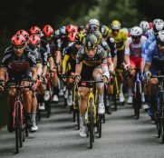 philippe-gilbert-tony-martin-jorge-arcas-peloton-tour-francia-2021-etapa3