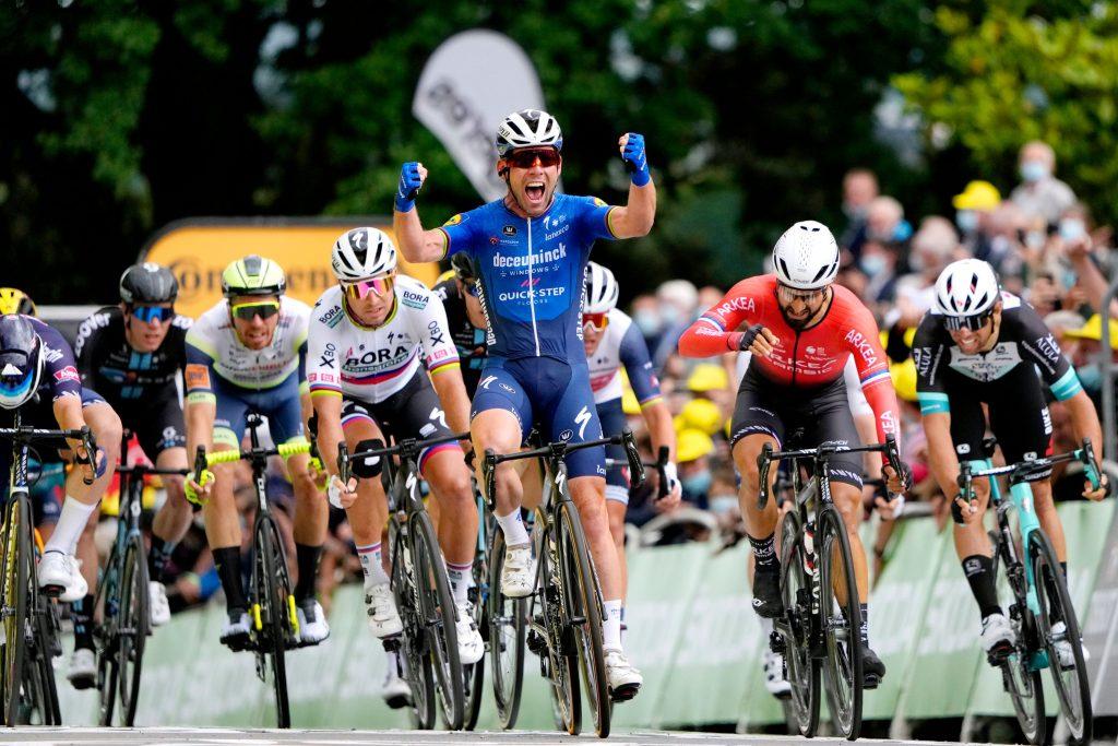 mark-cavendish-deceuninck-tour-francia-2021-etapa6-7.jpg